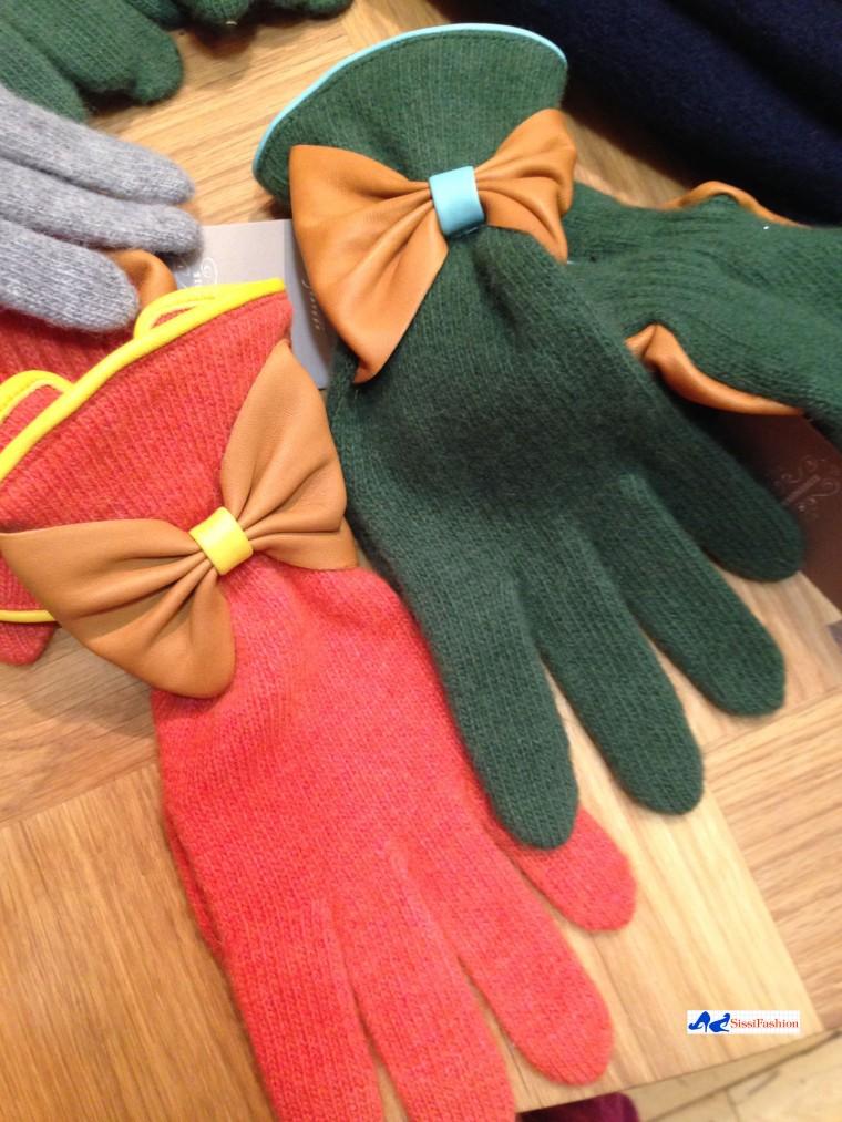 anthropologie_leather_bow_gloves_randomSighting_13nov13