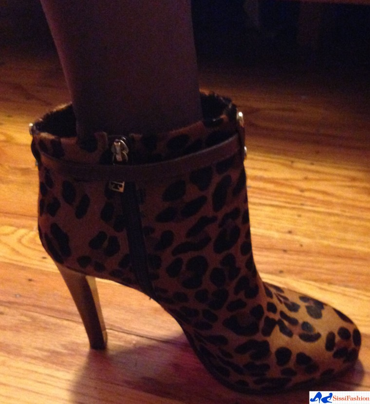 tory_burch_leopard_boots_ankle_fall_2011_7
