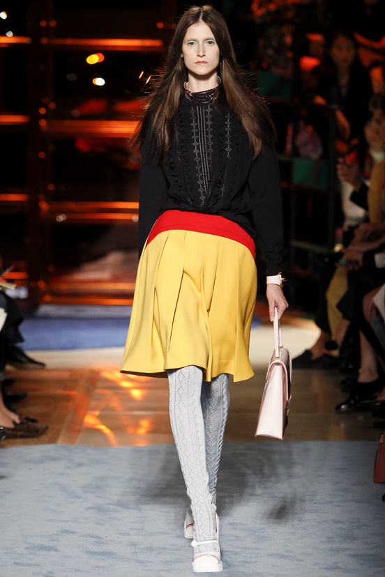 MiuMiu_tuckin_skirt_top_PFW_sept2013