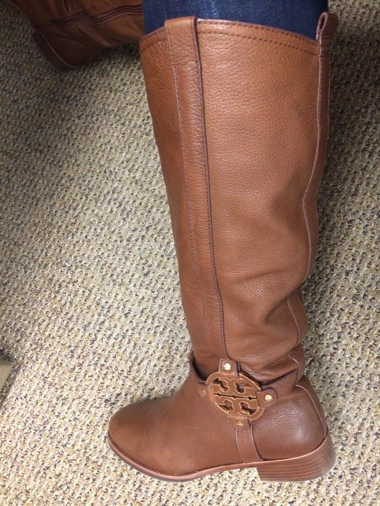 ebelandi_toryB_amanda_boots_1