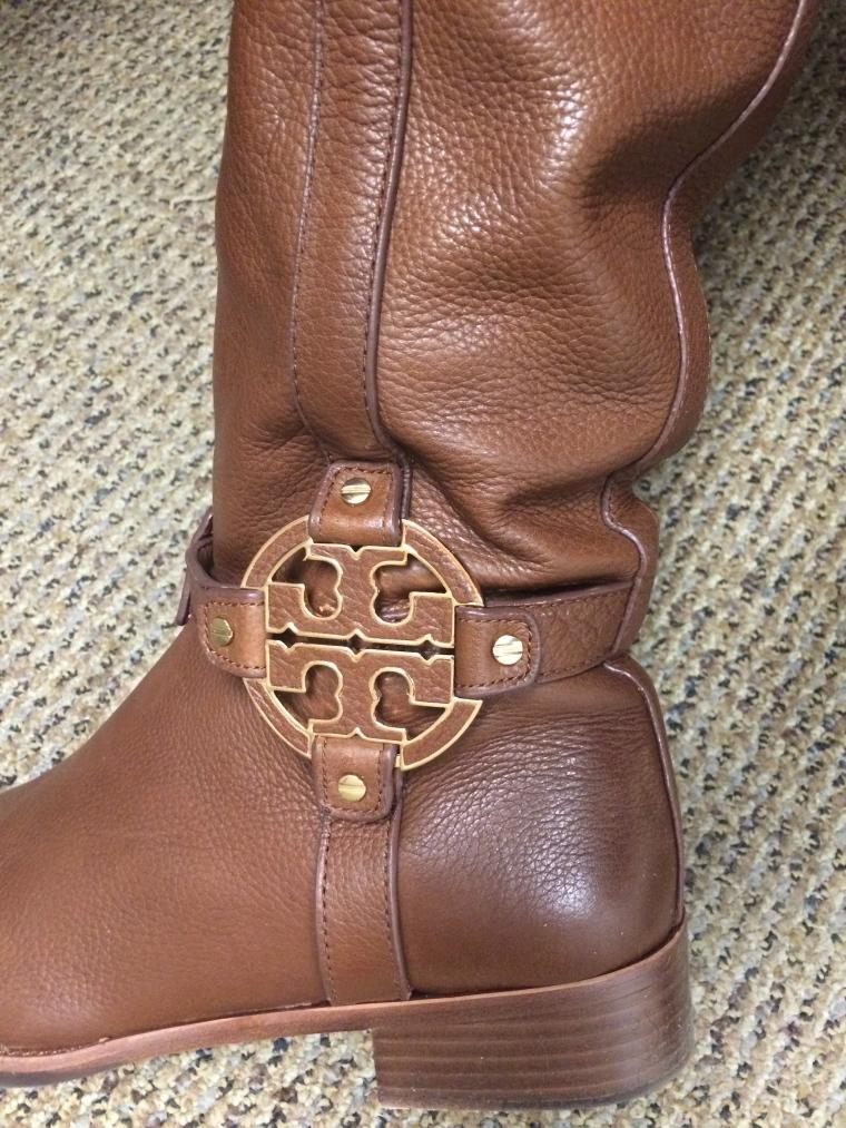 ebelandi_toryB_amanda_boots_2